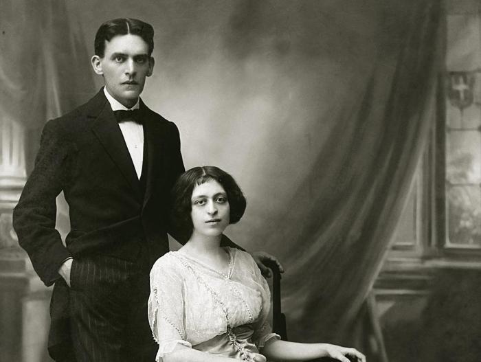 Aline Fernandez und Spyros Alimpertis